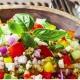 Salade vivifiante de quinoa aux légumes multicolores