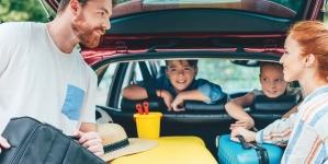ÉQUIPER SON VÉHICULE POUR UN ROAD TRIP : 5 INDISPENSABLES